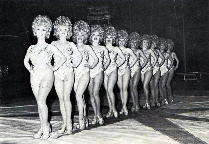 Moira Orfei Showgirls