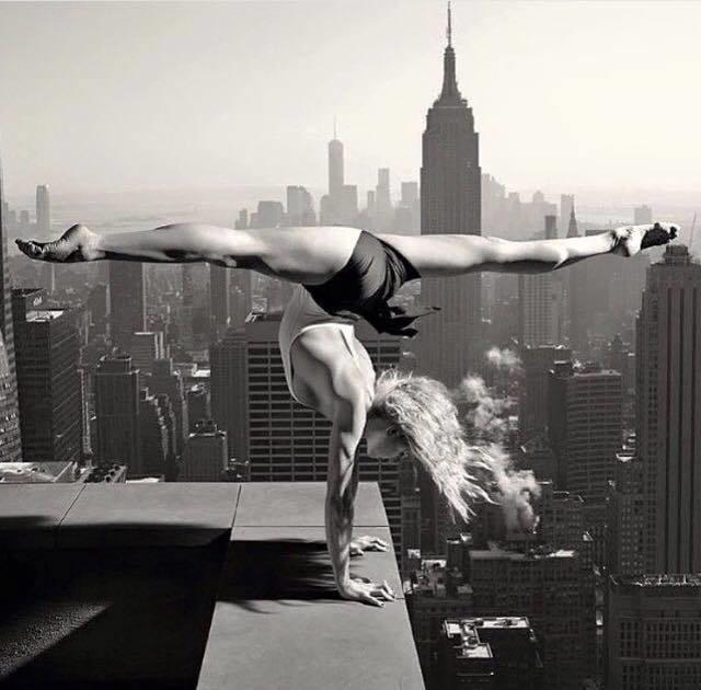 New York Hand Balancer